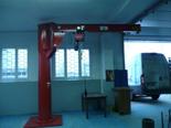 03058381 Żuraw słupowy obrotowy + wciągnik łańcuchowy elektryczny na wózku elektrycznym z elementami odpornymi na korozję (udźwig: 1000 kg, długość ramienia: 4000 mm)