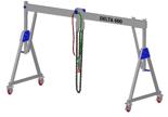 33960063 Wciągarka bramowa aluminiowa z możliwością przejazdu pod obciążeniem, z wózkiem pchanym i wciągnikiem łańcuchowym miproCrane DELTA 600H (udźwig: 1500 kg, szerokość: 4100 mm, wysokość: 2880/4180 mm)