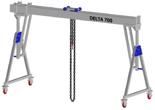 33960080 Wciągarka bramowa aluminiowa z możliwością przejazdu pod obciążeniem, z wózkiem pchanym i wciągnikiem łańcuchowym miproCrane DELTA 700S (udźwig: 1500 kg, szerokość: 5100 mm, wysokość: 2590/3440 mm)