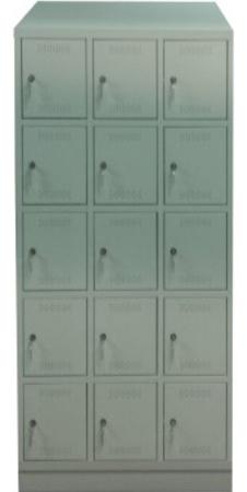 00150539 Szafa skrytkowa z daszkiem, 3 segmenty, 15 skrytek (wymiary: 2135x900x480 mm)