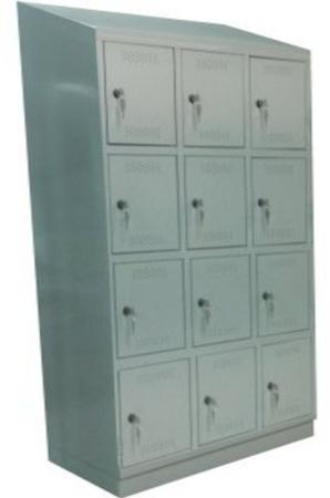00150573 Szafa skrytkowa z daszkiem, 3 segmenty, 12 skrytek (wymiary: 2135x1200x480 mm)