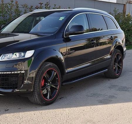 01655885 Stopnie boczne, czarne - Audi Q7 2015+ (długość: 205-210 cm)