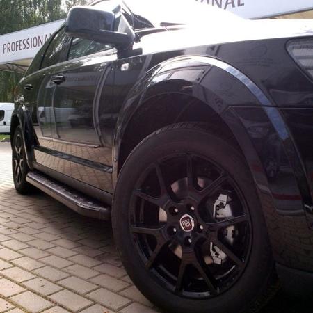 01655906 Stopnie boczne, czarne - Hyundai Tucson 2004-2009 (długość: 171 cm)