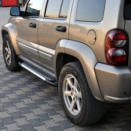 01656018 Stopnie boczne - Jeep Cherokee KJ 2001-2006 (długość: 171 cm)