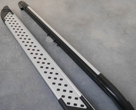01656075 Stopnie boczne - Suzuki Grand Vitara 2005- (długość: 182/171 cm)