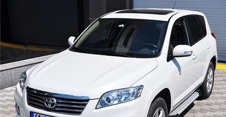 01656080 Stopnie boczne - Toyota Rav4 2006-2012 (długość: 161-167 cm)