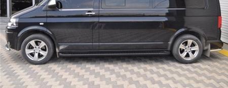 01656175 Stopnie boczne, czarne - Volkswagen T5 & T6 2015- short (długość: 205-217 cm)