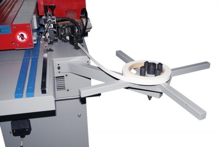 44349981 Okleiniarka Holzmann KAM 115EP (zakres grubości obrabianego elementu: 10 - 45 mm, wymiary stołu: 2050 x 800 mm)